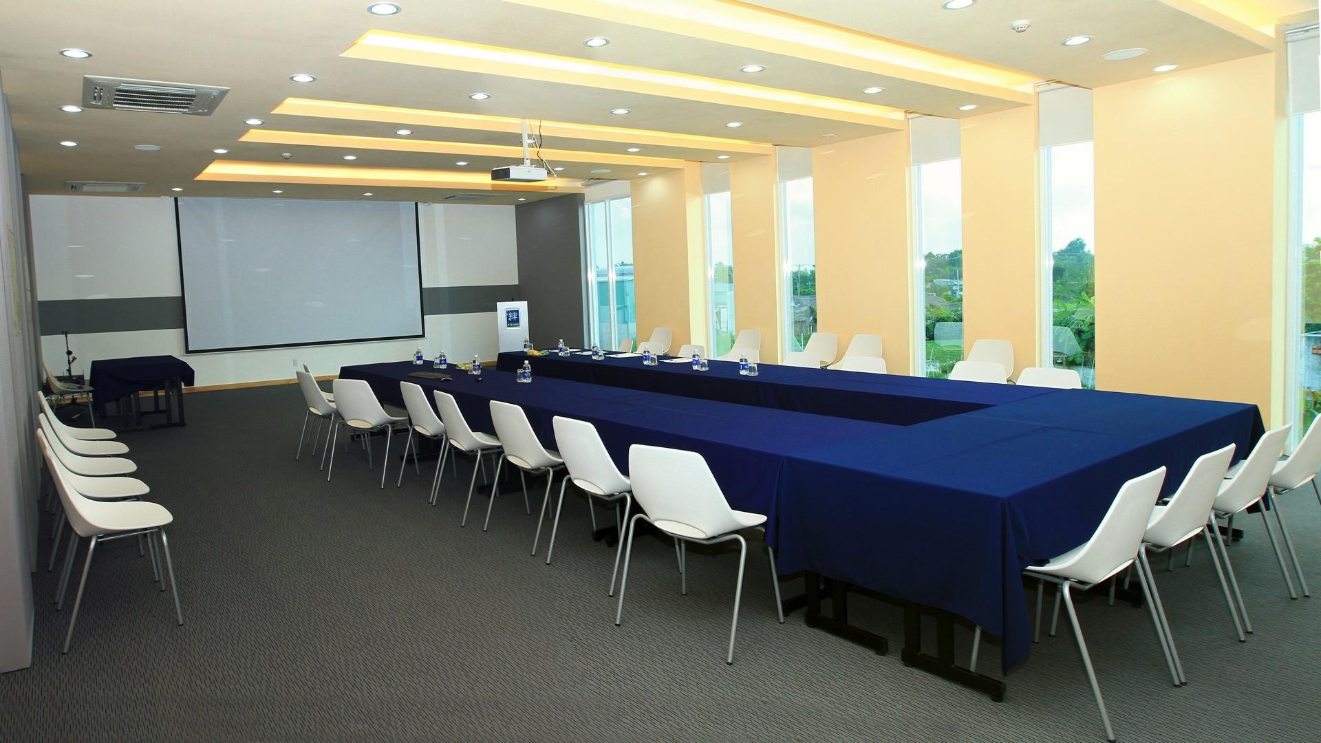 Phòng họp chia sẻ (tại Business Center của Kizuna)