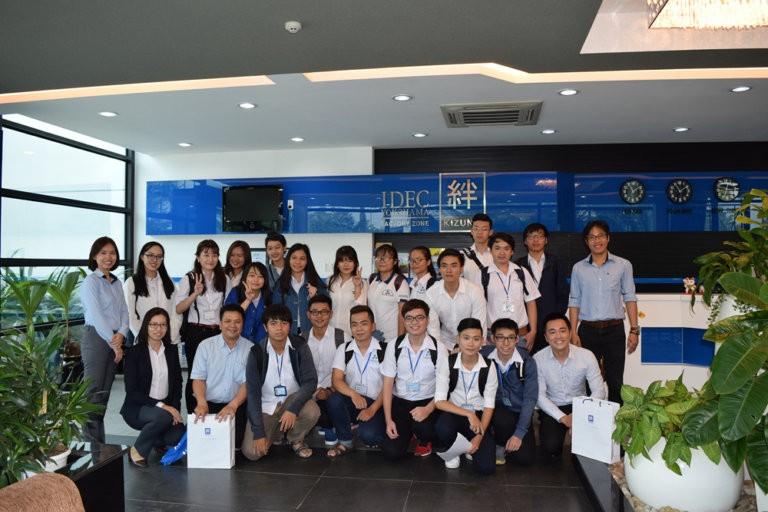 An experience day of Bach Khoa University's students in Kizuna Serviced Factory
