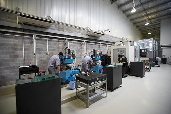Ngành sản xuất ở Việt Nam vẫn tiếp tục nhập nguyên liệu từ Trung Quốc