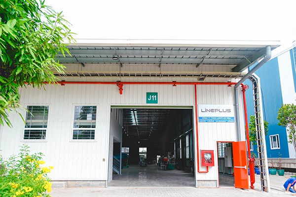 Supports in 200m2 workshop for rent near HCMC in Kizuna
