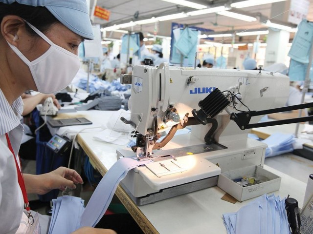 The effects of the 4th industrial revolution on the garment manufacturing industry