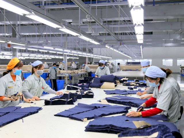 Sharing experiences when starting a high-end garment company