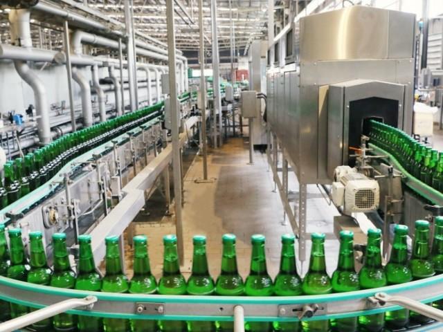 Các doanh nghiệp đua nhau mở nhà máy sản xuất bia