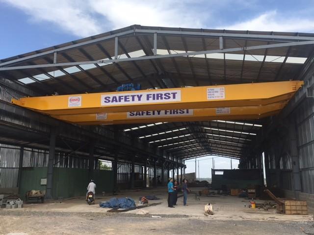 factory has crane