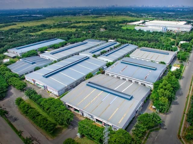 호치민시 근처의 큰 산업 단지에서Kizuna의서비스 공장모형 방문