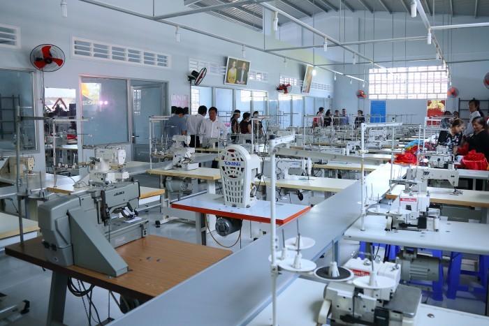 롱 안의 직물 공장, 베트남 공장 설립