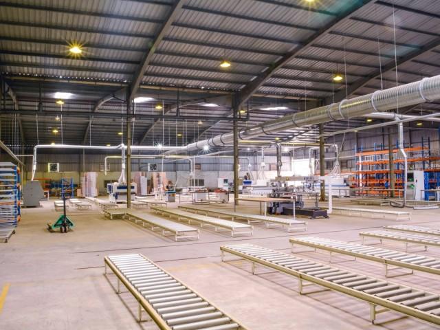 Lựa chọn nhà xưởng để tối ưu chi phí vận chuyển hàng hóa