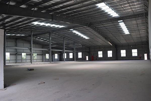 ベトナム 倉庫