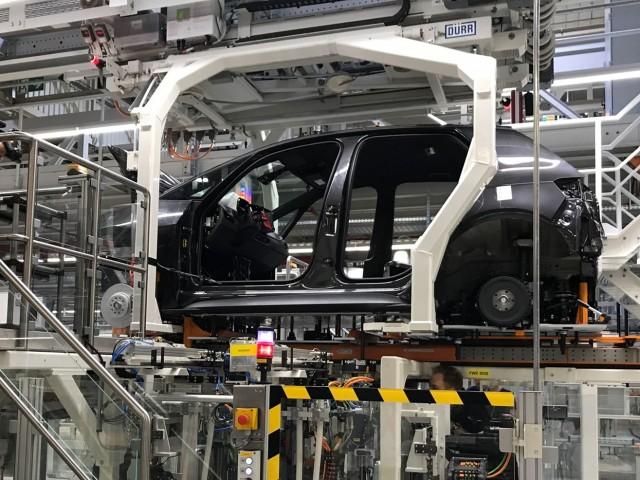 ホーチミン市 近郊 5000m2 工場は中小企業に適していますか?