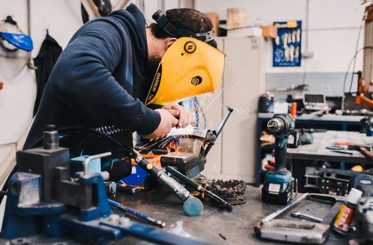 기계 생산 공장의 경쟁 우위는 무엇입니까?