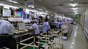베트남에 투자하는 한국 기업의 수가 증가하는 이유는 무엇입니까?